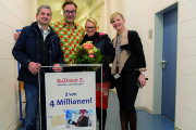 Paul Panzer mit Maik und Teresa Hegewald sowie rechts Monique Riemenschneider von der Kultour Z.