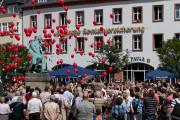 Geburtstags-Ballons am Schumann-Denkmal